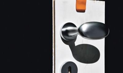 maniglia per porta Olivari serie Blindo
